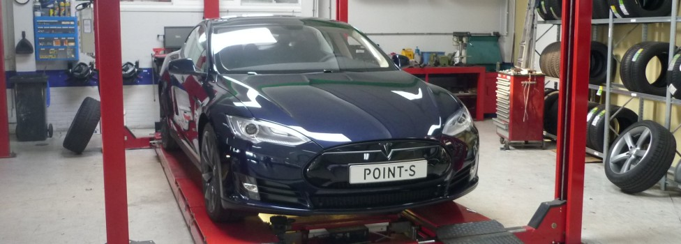 Point-S Header Tesla